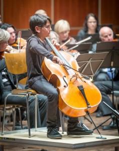 Kornhaus: Sinfoniekonzert mit dem Sinfonieorchester des Orchestervereins Ulm/Neu-Ulm FOTO mit Solist Julian Lehmann (Cello)